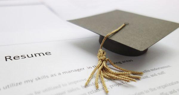 Jak wygląda CV absolwenta ?